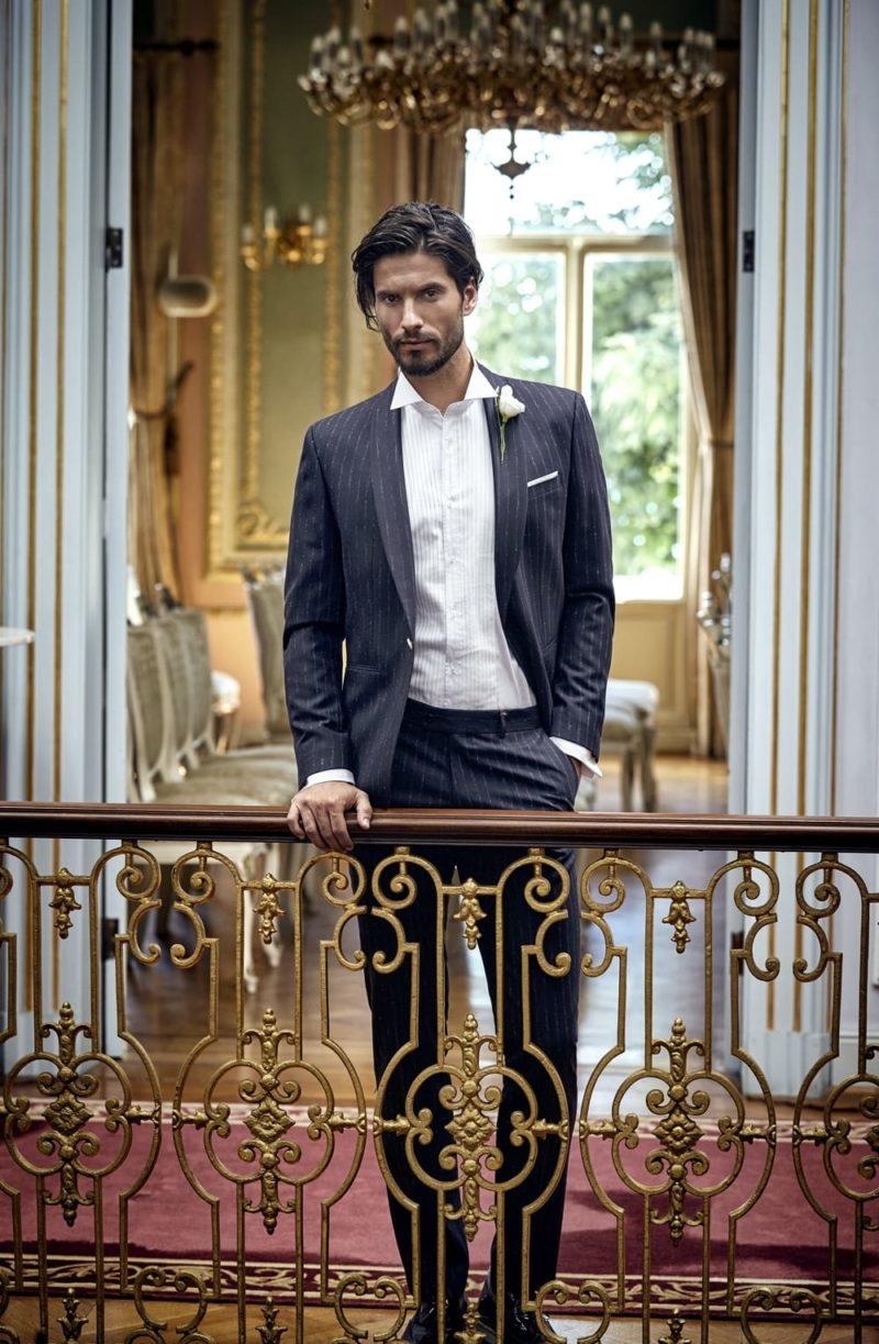▶▶Темно-серый мужской свадебный костюм в полоску, с прямыми брюками.  ☎ +7 495 724 26 05 ▶▶ Свадебный центр Вега Ⓜ Петровско-Разумовская