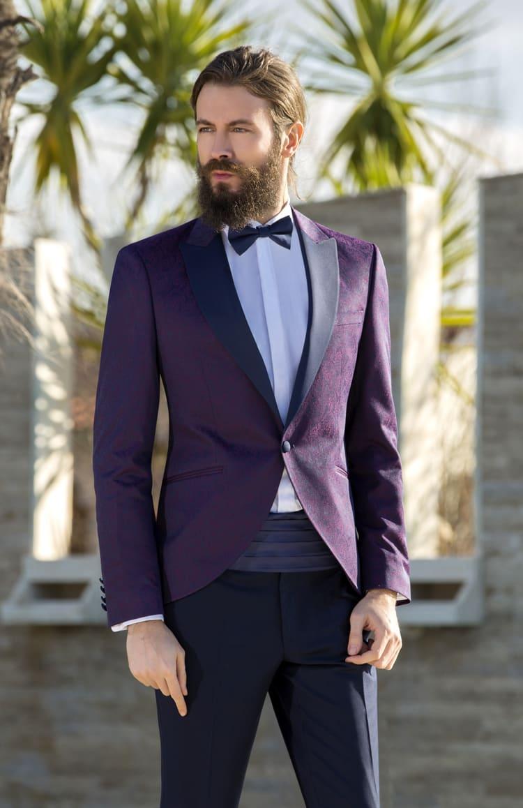 ▶▶Мужской костюм с фиолетовым пиджаком и кушаком. ☎ +7 495 724 26 05 ▶▶ Свадебный центр Вега Ⓜ Петровско-Разумовская