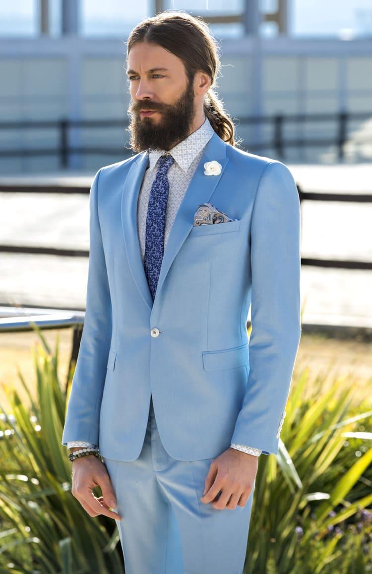 ▶▶Голубой мужской костюм с белым цветком на пиджаке. ☎ +7 495 724 26 05 ▶▶ Свадебный центр Вега Ⓜ Петровско-Разумовская
