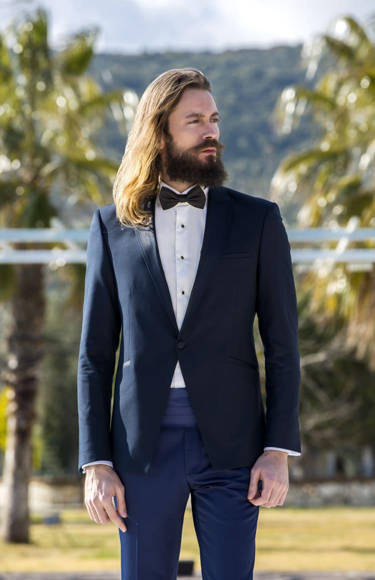 ▶▶Темно-синий мужской костюм с широким кушаком. ☎ +7 495 724 26 05 ▶▶ Свадебный центр Вега Ⓜ Петровско-Разумовская