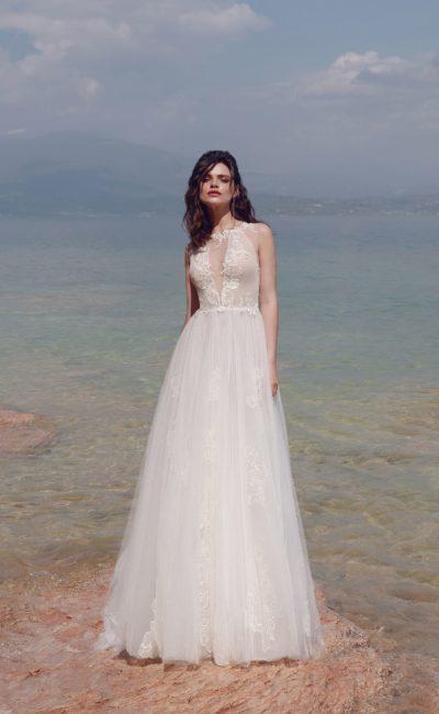 Свадебное платье А-силуэта с иллюзией полупрозрачности.