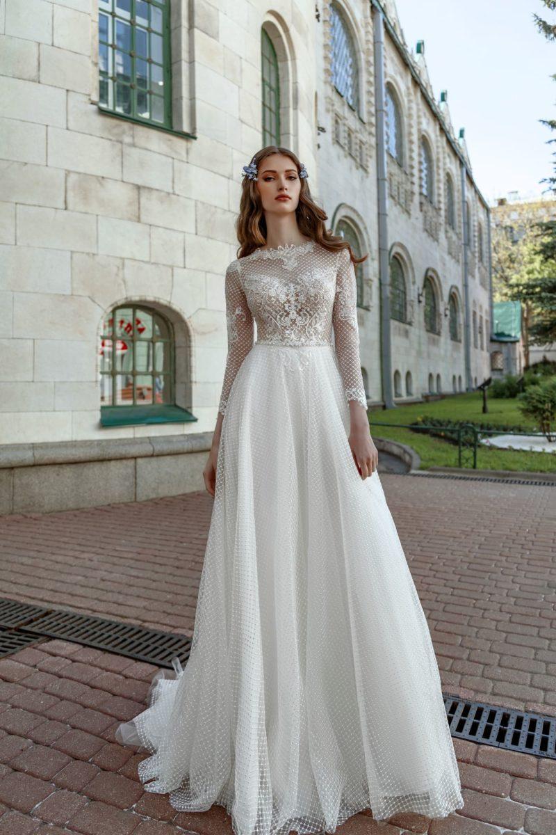 Платье с рукавами в сеточку