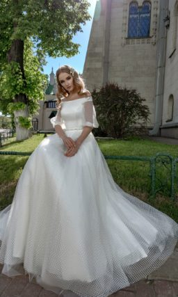 Свадебное платье с необычным рукавом