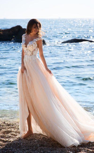 Сказочное свадебное платье с корсетом