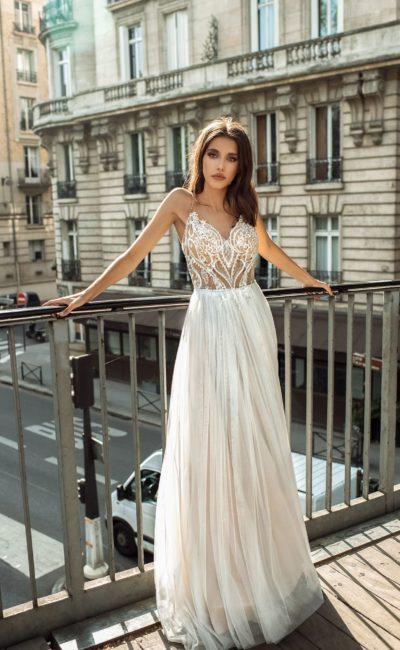 Открытое свадебное платье для лета