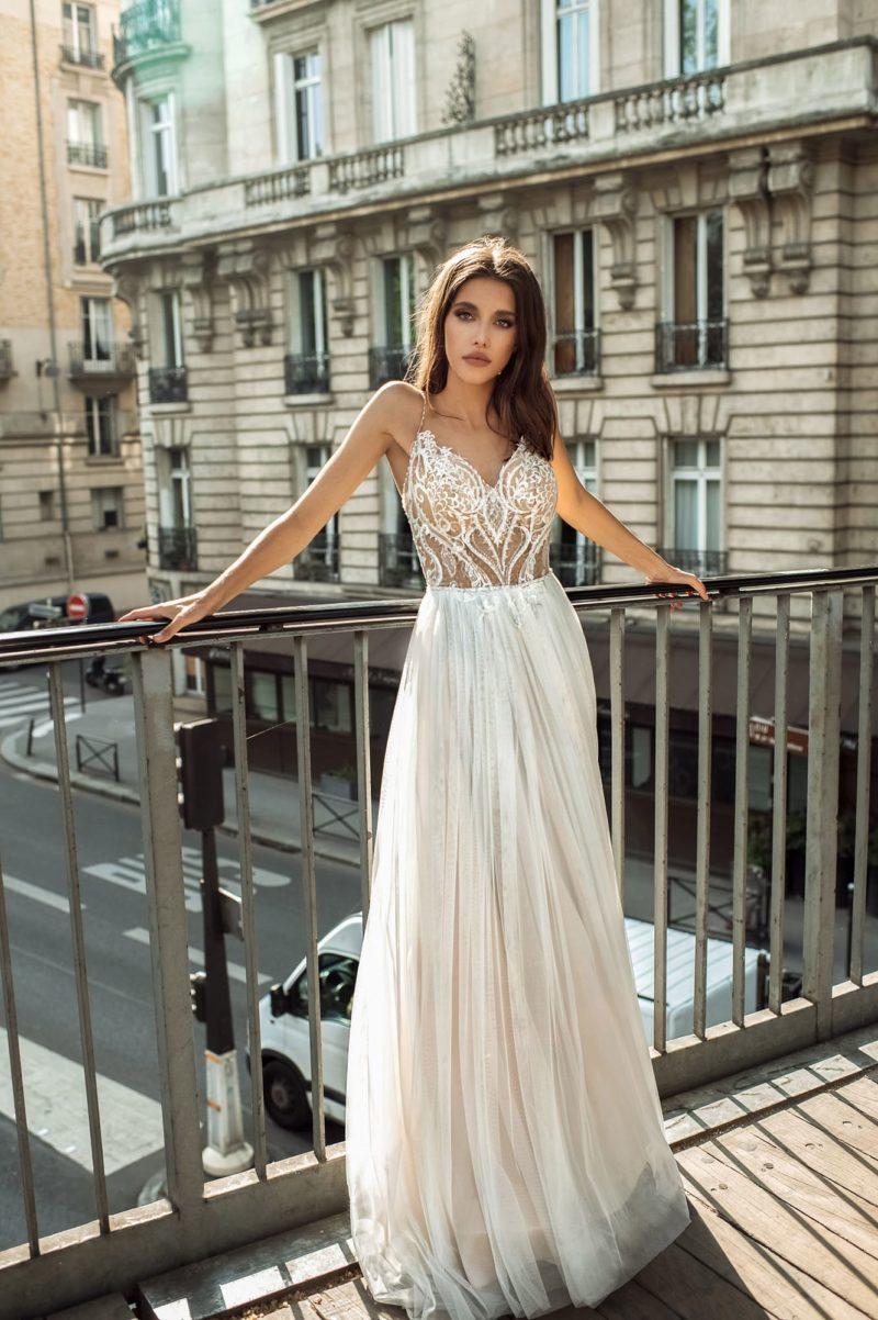 Открытое свадебное платье для летнего образа
