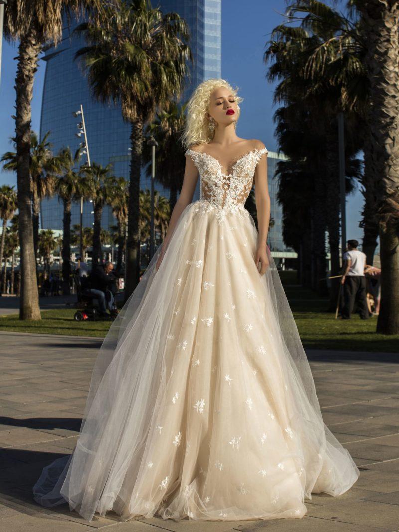 Торжественное свадебное платье с роскошным силуэтом