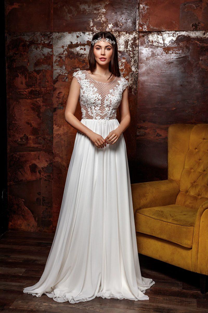 свадебное платье со струящейся атласной юбкой и ажурным топом