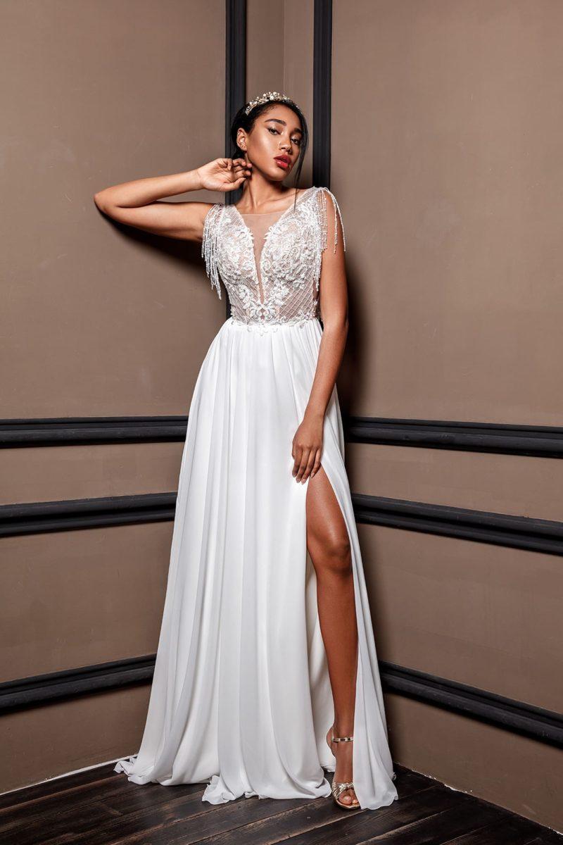 Свадебное платье с белоснежной атласной юбкой