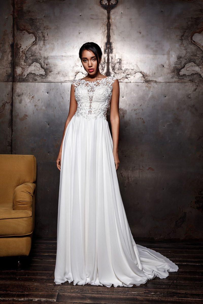 Свадебное платье из кружева с атласом