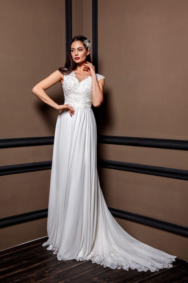 Утонченное свадебное платье приталенного кроя