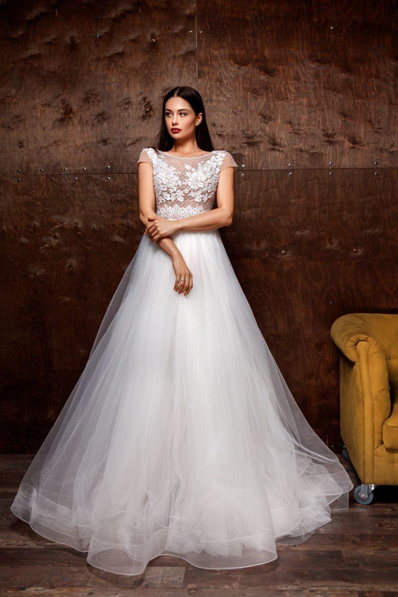 Пышное свадебное платье с воздушной юбкой