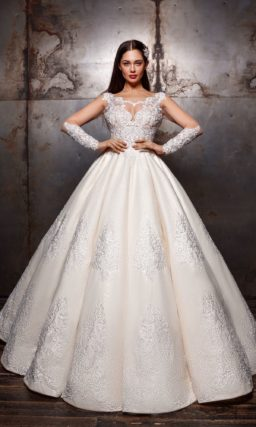 Бальное свадебное платье кремового оттенка