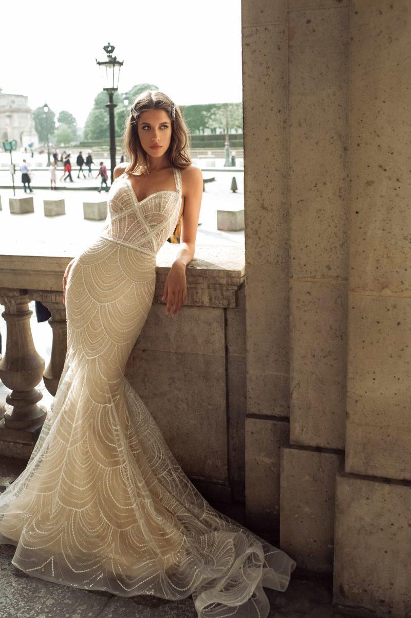 Свадебное платье с облегающим кроем