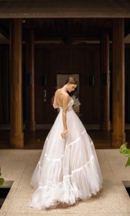 Необычное пышное свадебное платье