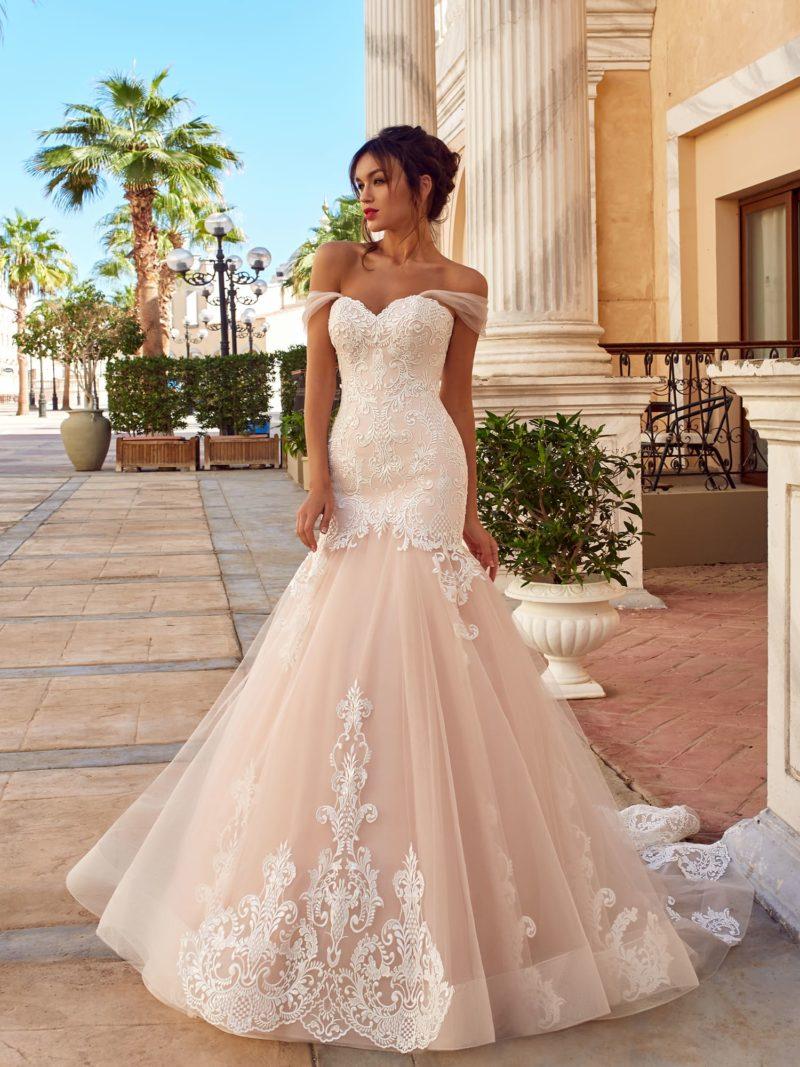 Изысканное платье с притягательным силуэтом «русалка»