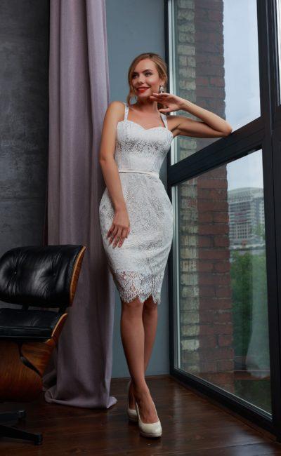 Красивое свадебное платье футляр