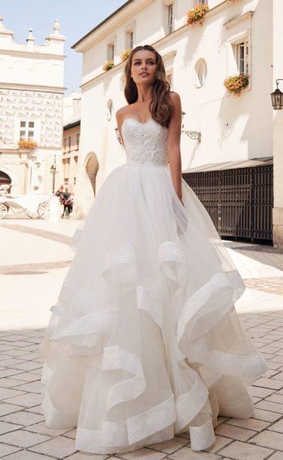 8caea29ccd13444 Свадебные платья для невысоких девушек ▷ Свадебный Торговый Центр ...