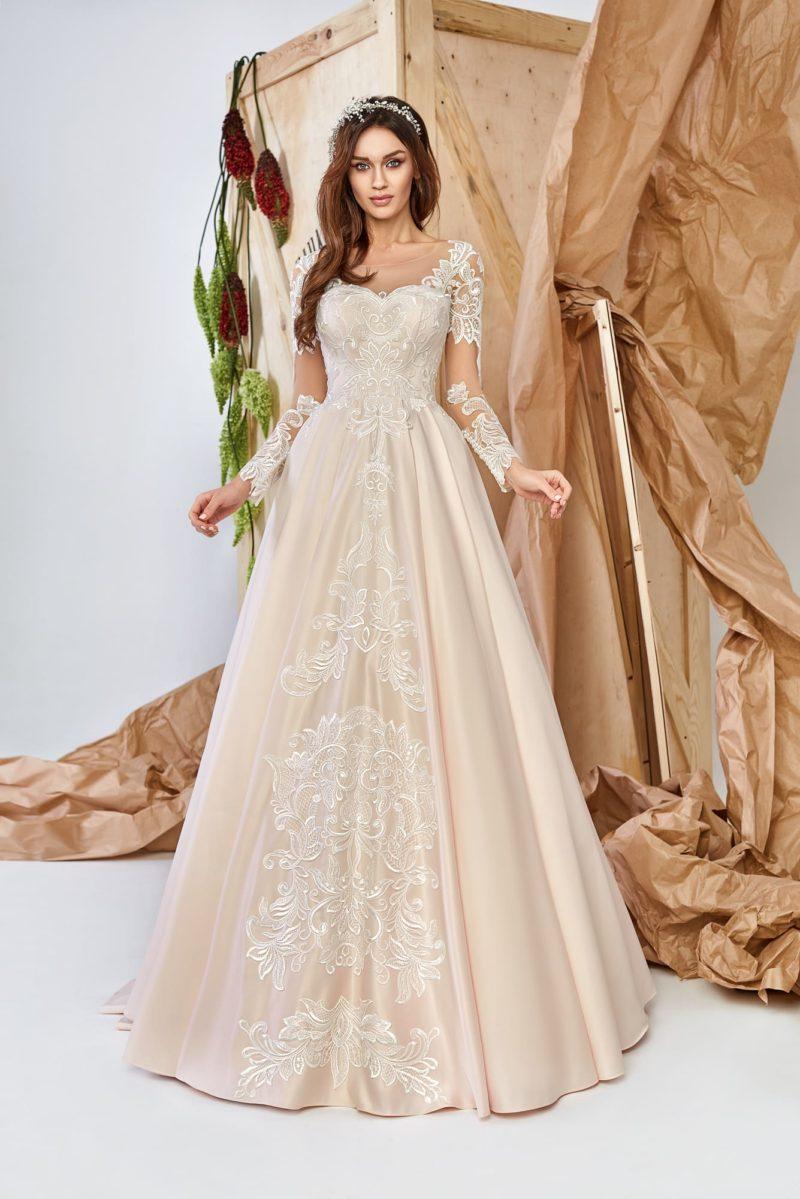 Платье из гладкого атласа
