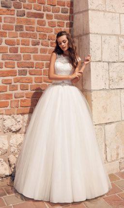 Пышное свадебное платье с поясом
