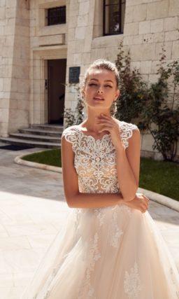 платье А-силуэта в оттенке светлой пудры