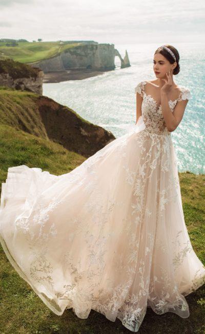 свадебное платье в нежно-розовом цвете