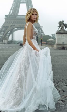 свадебное платье с обнаженной спиной