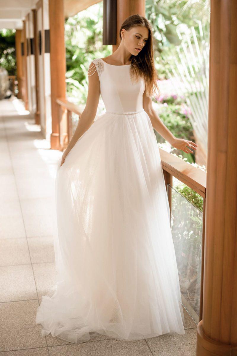 Утонченное и воздушное свадебное платье