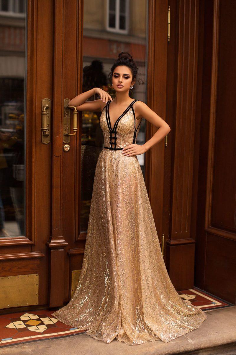 длинное вечернее платье с небольшим шлейфом
