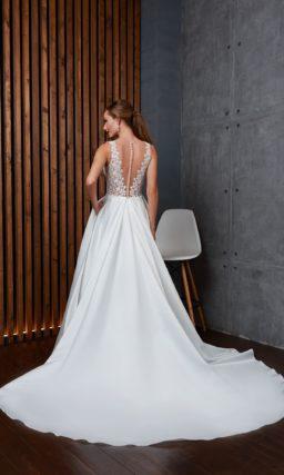Классическое свадебное платье из роскошного атласа