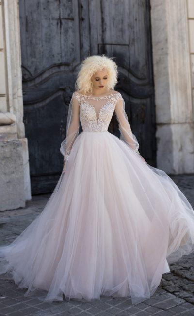 Свадебное платье с великолепным силуэтом
