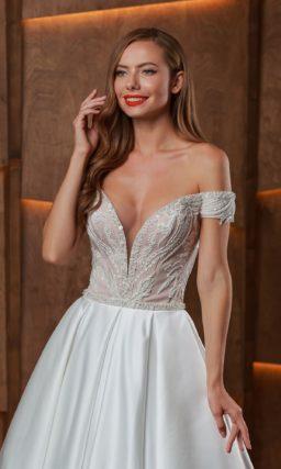 Платье с корсетом расшитым бисером