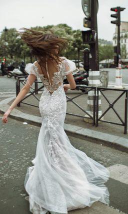 Облегающее платье фасона русалка