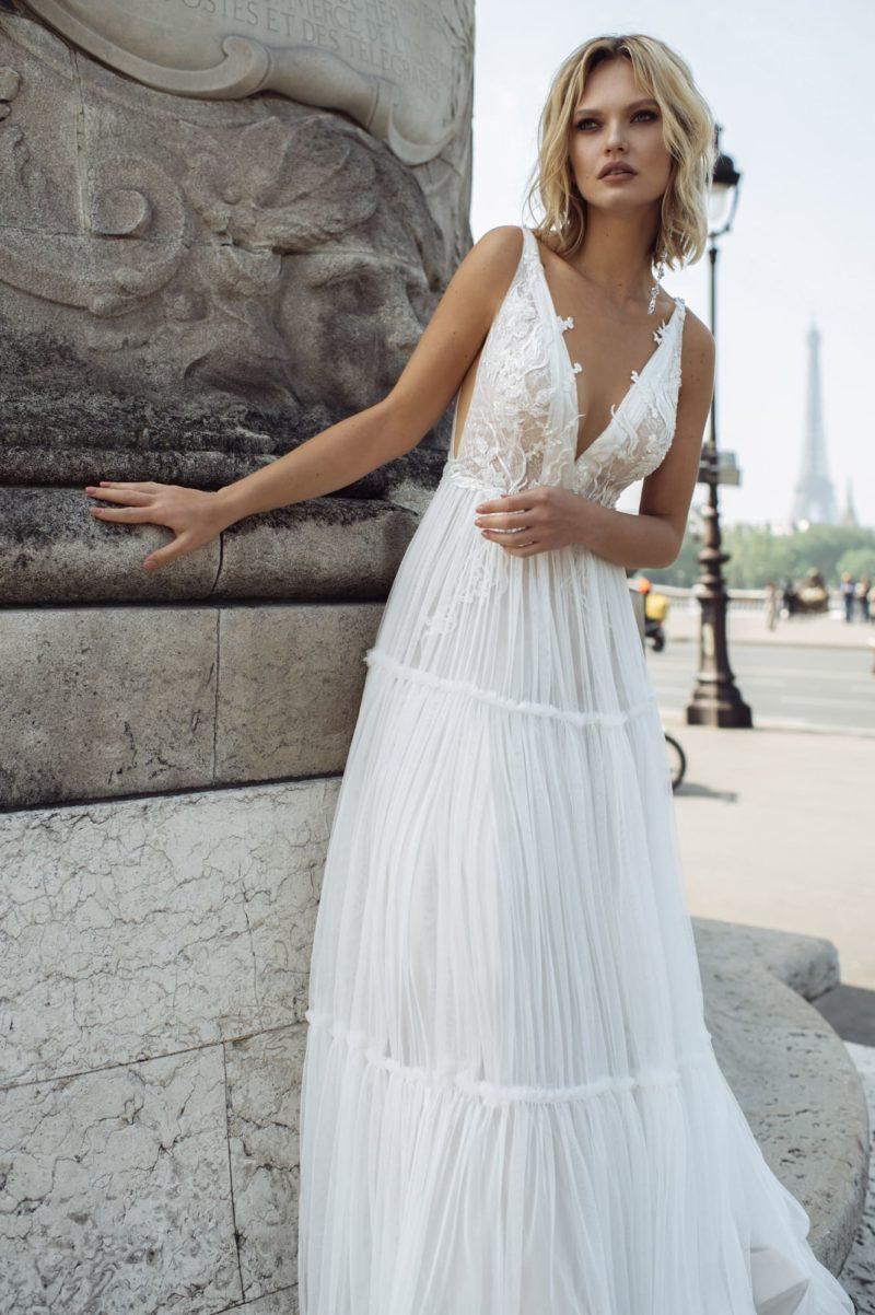 Приталенное свадебное греческое платье