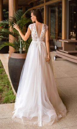 элегантное свадебное платье оттенка айвори