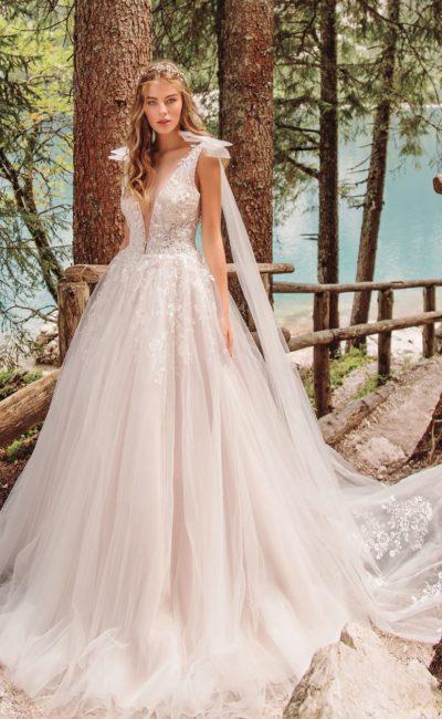 Свадебное платье нежного сиренево-розового оттенка
