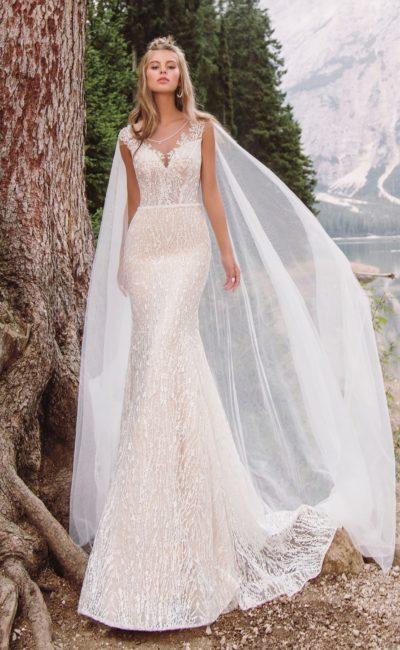 Утонченное свадебное платье пудрового оттенка