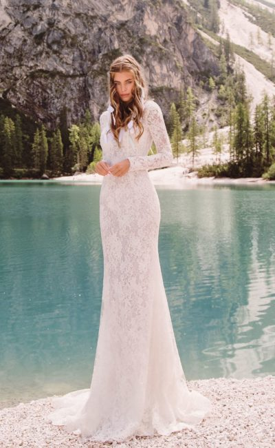 Кружевное венчальное платье