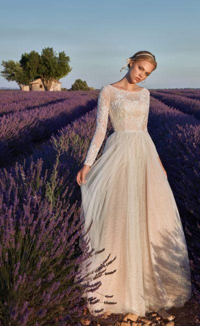 Венчальное платье с рукавами