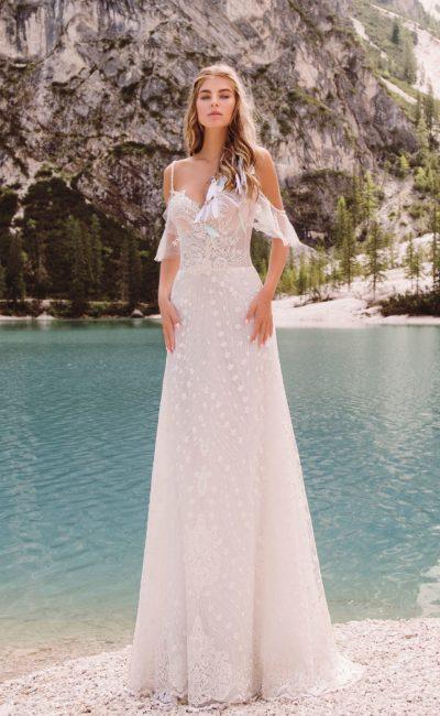 Изящное свадебное платье с пудровым оттенком