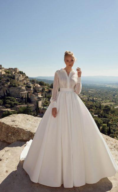Красивое свадебное платье с воротничком