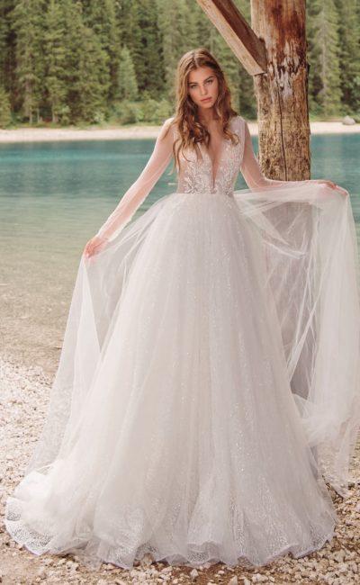 Свадебное платье с изысканным корсетом