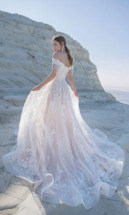 свадебное платье А-силуэт