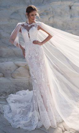 Платье силуэта «русалка» с кружевными узорами