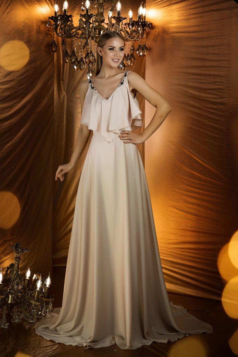 Великолепное вечернее платье нежного бежевого оттенка