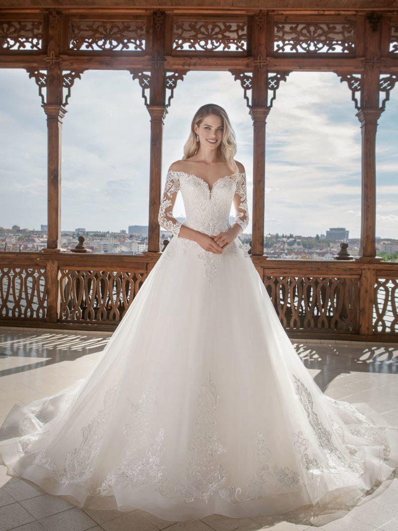 свадебное платье со спущенной линией плеч