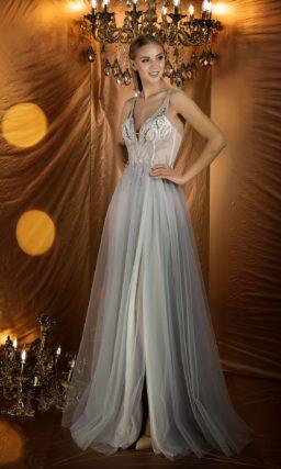 Обворожительное вечернее платье дымчатого оттенка