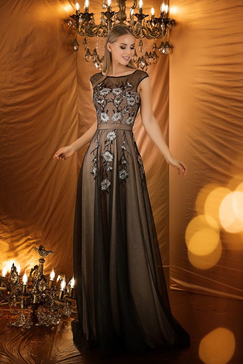 Вечернее платье с закрытой спинкой