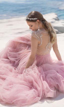 Приталенное платье цвета пепельной розы