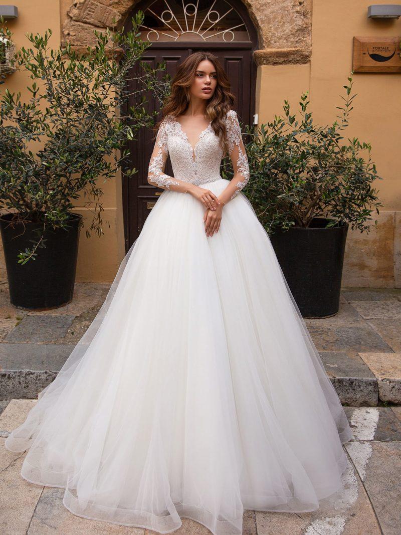 свадебное платье с классическим приталенным силуэтом